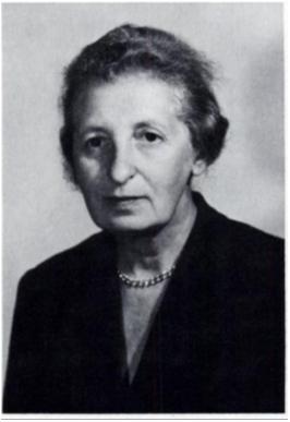 Elizabeth-Rona-2a